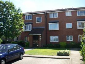 Cambridge Gardens N10 - Sought After Studio Flat In Quiet Location Just 10 Mins From Transport...