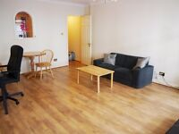 Modern, spacious 1 bedroom in heart of the city (zone 1)