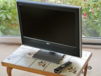 """Toshiba 26"""" TV in full working order with remote control"""