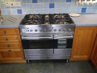 Range Cooker - Britannia Stainless S. 900 mm. Dual fuel 5 gas burners. 1 and 1/2 electric ovens