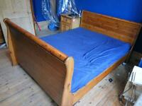 Solid wood bed 220cmx160cm in great condition