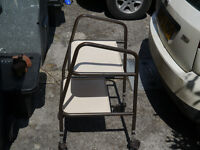 MOBILITY WALKING AID TRAY ON WHEELS