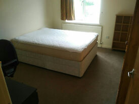 Furnished double room to let in shared house in Kidlington