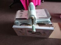 Sizzix big shot no cutting dies with it but has all the plates