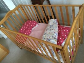 Cot bed nursery baby and toddler up to 3yrs age. VGC with mattress