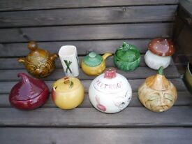 Vegetable and condiment related pots
