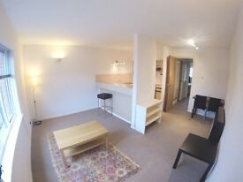 Lovely one bedroom flat with parking space