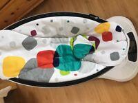 4Moms MamaRoo 3.0 & Infant insert in Multi Plush