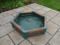 Sandpit for children - hexagonal with lining and cover