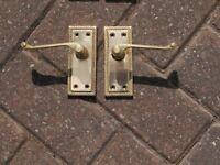 10 pairs of door handles