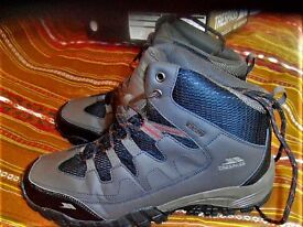 Boots (TRESPASS Hiking Boots) size 11 (44)-mens
