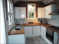 PROFESSIONALS - 4 High Spec Double rooms to rent, S2 location, close to Sheffield City Centre!