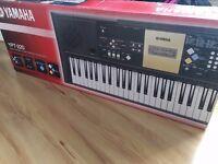 Yamaha YPT 220 Keyboard *AS NEW*