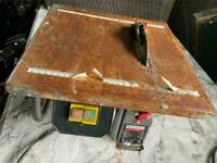 Tile cutter in good working condition