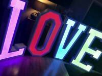 LOVE LED LIGHT, MR & MRS Illuminated Sign to Hire
