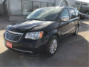 2015 Chrysler Town & Country Touring w/Leather, Safety Tech, Blu