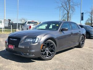 2019 Chrysler 300 S**LEATHER**PANORAMIC SUNROOF**BLUETOOTH**