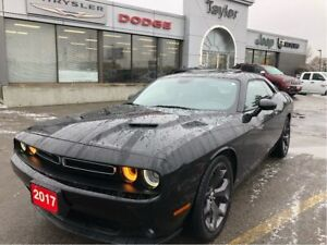 2017 Dodge Challenger SXT+ w/Leather, Sunroof, Navi, Track Pack