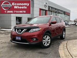 2016 Nissan Rogue SV / One Owner