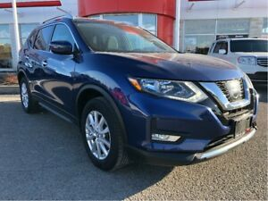 2017 Nissan Rogue SV/ EXRENDED SUNROOF!!!