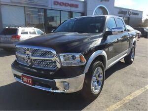 2017 Ram 1500 Laramie Crew 4x4 V8 w/Leather, Sunroof, Hitch, Rem