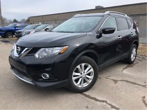 2015 Nissan Rogue SV AWD Glass Roof Heated Front Seats
