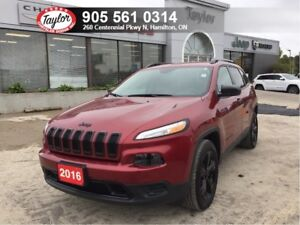 2016 Jeep Cherokee Sport Altitude 4x4 V6 w/Heated Seats, Remote