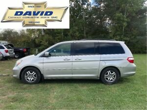2005 Honda Odyssey EX-L 7 PASS. VAN/ LEATHER/ QUADS/ DVD/ AS-IS
