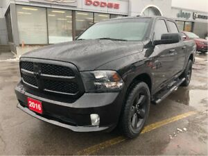 2016 Ram 1500 Express Crew 4x2 V8 Blackout w/Bluetooth