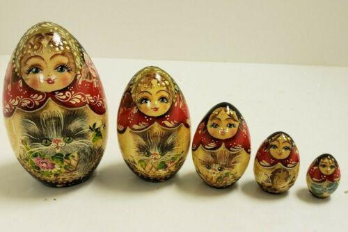 G. DeBrekht Russian Nesting Dolls – Set of 5