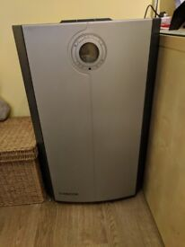 Amcor air conditioning unit. Used but in excellent working condition.