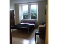 Long Term Double room flat share, Ground floor tenement flat, In the East End of Glasgow.