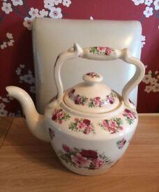 Large pot kettle