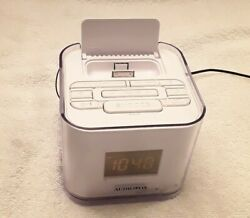 iPod/iPhone Dual Alarm Clock Radio Dock NIB Audiovox Venturer CR8030iE5 4-Colors