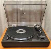 Table tournante NAD 202 turntable