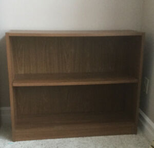Well Constructed Medium Oak Bookshelf