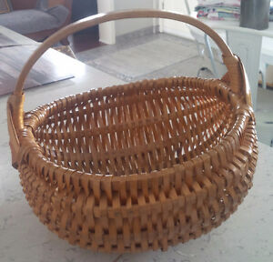 Old Round Wicker Basket, Excellent Condition