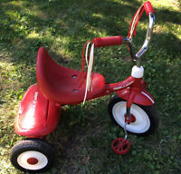 Tricycle Radio Flyer for toddlers