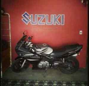 Suzuki GS500F - can be put back to stock black