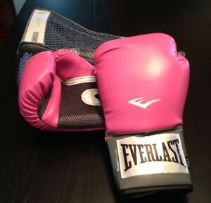 Womens Everlast Training Gloves Windsor Region Ontario image 1