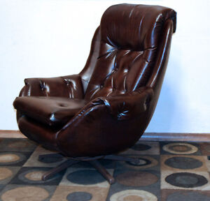 Superb Period Correct Mid Century Kroehler POD Chair SEE VIDEO