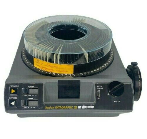 Kodak Ektagraphic III AT Slide Carousel Projector w New Lamp No Remote 35 Slides