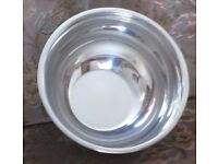 "LARGE STAINLESS STEEL MIXING BOWL WITH RIM, 10"" X 6"" BRAND NEW WITH TAG, smoke and pet free home"
