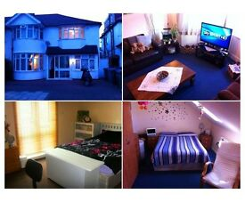 DOUBLE ROOM GOOD SIZE , PERFECT FOR 2 PEOPLE . COME AND GET IT ,