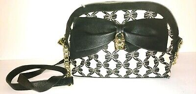 BETSEY JOHNSON BIG BOW PALE PINK AND BLACK LOCK  CROSS BODY PURSE LKNU!](Pink And Black Bow)