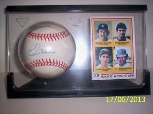 Paul Molitor signed ball with Rookie card