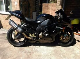 Kawasaki zx10r 2005 21k offers/px considered