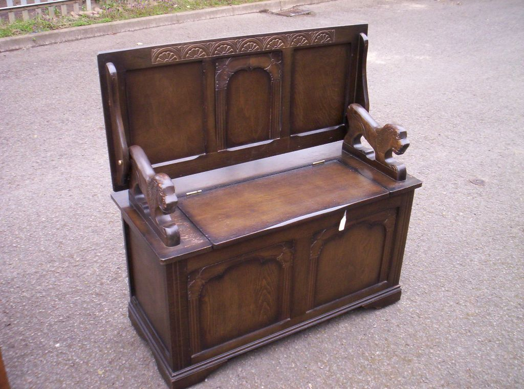 Lovely Decorative Oak Vintage Monks Bench Settle Hall Seat