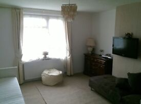 2bed house swap London or route of m1