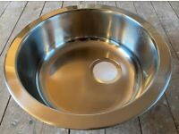 CDA Single round bowl stainless steel kitchen sink with all fittings included (new)